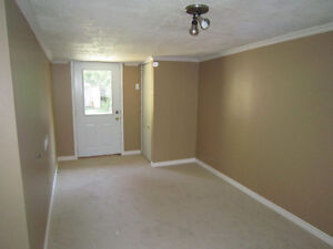 2 bedrooms available in 5 bedromm house on Richmond Row London Ontario image 3