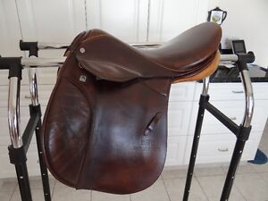 Saddle Stubben Roxanne all purpose, excellent condition Prince George British Columbia image 4
