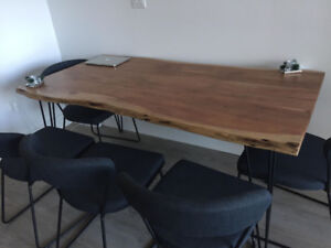 Table (optional + 6 chairs)
