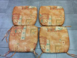 4 coussins de siege/ 4 seat cushions