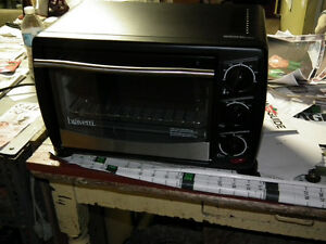 TOASTER  OVEN  AS  NEW  MADE BY  BRAVETTI