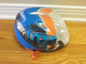 Boys Bike Helmet - Hot Wheels Theme - Small (48cm x 52cm)