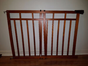 Baby Gate For Buy Or Sell Baby Items In Ottawa Kijiji Classifieds