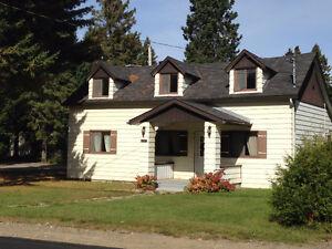 Maison 2 étages à vendre Val-David, Laurentides