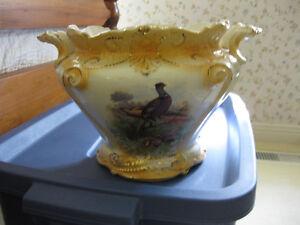 Antique urn London Ontario image 1
