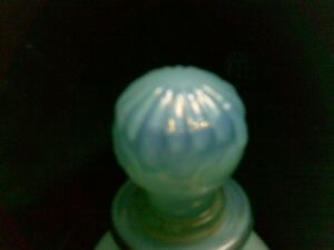 "VINTAGE BEAUTIFUL BLUE ""AVON"" MILK GLASS PERFUME DECANTER Kitchener / Waterloo Kitchener Area image 8"