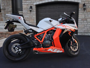 KTM RC8 R moto de collection