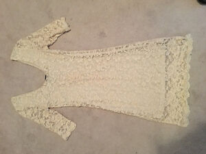 Beige lace dress size small, worn once