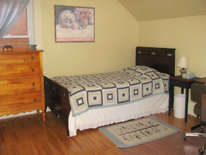 1 Bedroom, 8 month lease for female student