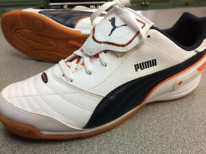 [BRAND NEW] PUMA SIZE 10 INDOOR SOCCER SHOES