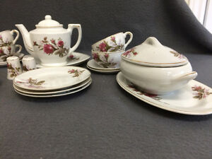 Collectible Antique Small Tea Cup Setting For 6 London Ontario image 3