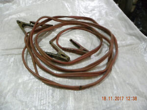 JUMPER  CABLES  HEAVY  DUTY  20 FT.