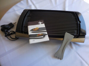 """WOLFGANG PUCK INDOOR """"REVERSIBLE"""" ELECTRIC GRILL/GRIDDLE"""