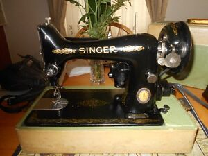 PORTABLE SINGER 99-13 SEWING MACHINE