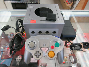 **WORKS GREAT** Nintendo Gamecube Game Console - DOL-101