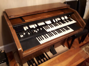 Looking for old Hammond organs.