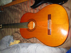 YAMAHA CLASSICAL GUITAR VG CONDITION $179.99 OBO