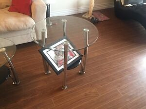 Coffee table and it comes with 2 end tables -only 3 years old