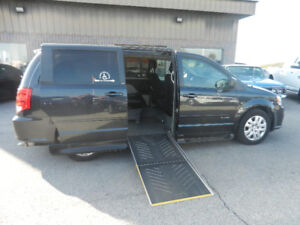 * Wheelchair accessible * 2014 Dodge Grand Caravan Minivan