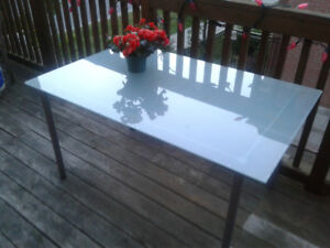 Charming Patio glass table