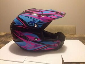 HJC womens helmet 100$
