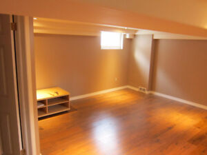 WONDERFUL APARTMENT FOR RENT IN Central ROSEDALE!!