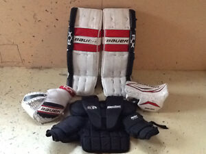 Junior goalie gear pads blocker trapper