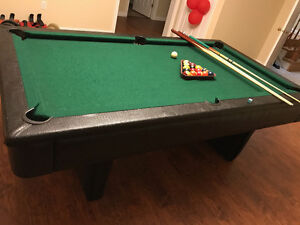 4 X 8 GREAT LEATHER POOL TABLE
