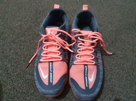 Nike Vipormax ,0014 A, ladies trainer Size Number (7)