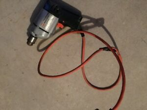 Black & Decker drill, variable speed with chuck key...