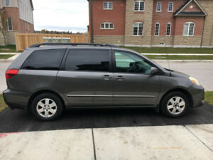 2004 Toyota Sienna in great condition with new breaks