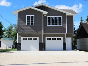 New Modern Home-Double heated garage- 30 mins West of Wpg