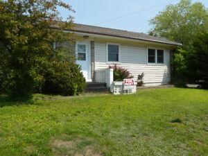 House for Rent. Jones Lake. 10 Min walk to Avenir Center