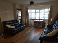 Double room for rent in 2 bedroom house in Ruislip Manor