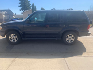 1999 Ford Explorer Limited SUV, Crossover