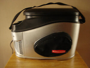 Rubbermaid 12-Volt Thermoelectric Travel Warmer / Cooler