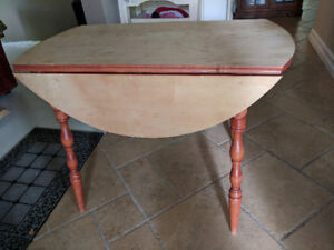 Round Drop-Leaf Table