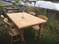 PINEE TABLE AND CHAIRS
