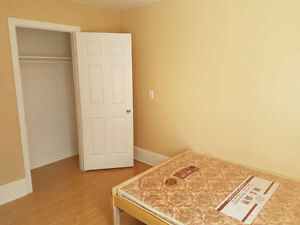 Walking distance to Univ.renovation with bright 4 plus 1 brms