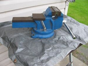 """For sale 5"""" vise                            '"""