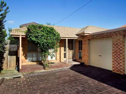 Furnished House for Rent, 5 min walk to Monash University