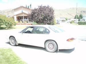 1996 Pontiac Bonneville Sedan