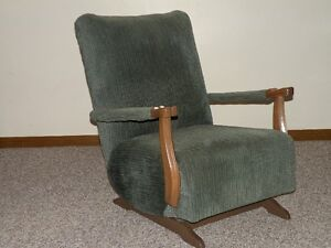 Chairs (Upholstered) Windsor Region Ontario image 1