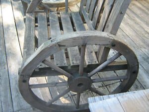 wagon wheel bistro set  unique or best offer Kingston Kingston Area image 4
