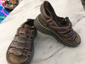 Buster brown brown sandals size 6 and size 6 water shoes