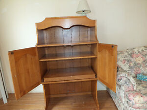 SOLID WOODEN HUTCH TOP,..(SIXTIES,..QUALITY WOOD & DETAIL.) Kitchener / Waterloo Kitchener Area image 2