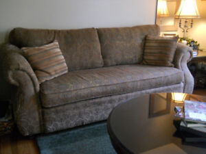 Beautiful Couch & Chair set