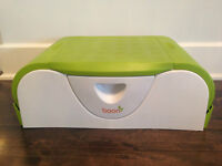 Boon Potty Bench with Side Storage/ Petit pot Boon