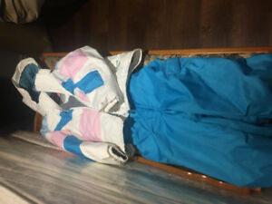 Kids Phenix winter ski/snowboard suit size 4-8, White and blue