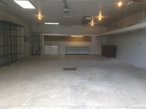 FINISHED SHOP FOR RENT OR SALE